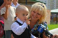 Азаров вирішив підвищити зарплати працівникам дитсадків