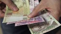 Українцям частково виплатили борги із зарплати