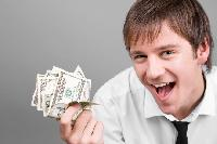 Підвищення зарплат в Україні: за що люди отримують надбавки