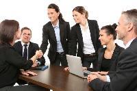 Сім помилок у спілкуванні з колегами, які, на жаль, роблять усі