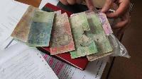 Приват, Райффайзен і Ощад: де і як замінюватимуть зіпсовані гроші?
