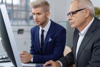 Чому варто наймати співробітників у віці за 50