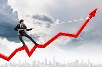 Зростання економіки вповільнюється. Час переглядати бюджет?