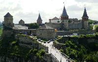 За місяць – понад 390 тисяч: Замковий міст в Кам'янці-Подільському продовжує заробляти гроші