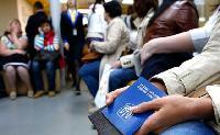 Заробітчани можуть повернутися в Україну за умови зарплати в 1000 доларів